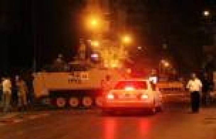 مصدر عسكري: الجيش سيبقى في الميادين لحفظ الأمن بعد انتهاء الطوارئ