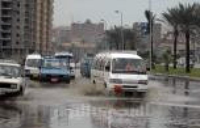 «نوة المكنسة» تغرق شوارع الإسكندرية والساحل الشمالي