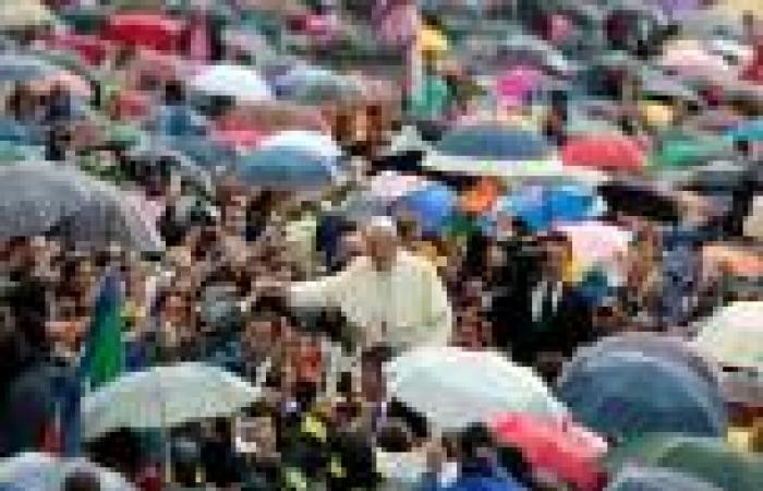 «الفاتيكان»: اختيار «تايم» «البابا» شخصية 2013 «غير مستغرب»