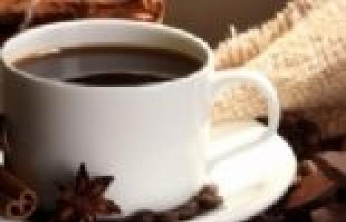 طبيبة جلدية تنصح بالمشروبات الساخنة والمرطبات للحفاظ على الجلد في الشتاء