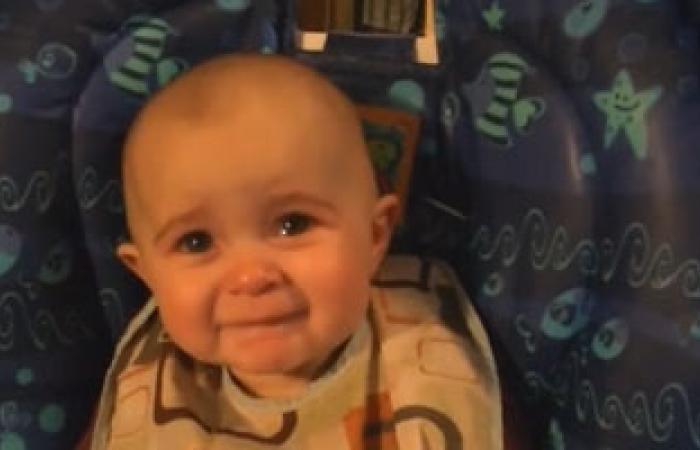 عدم جلوس الطفل بمفرده عند 6 أشهر دليل أنه يعانى من خلل بالعضلات