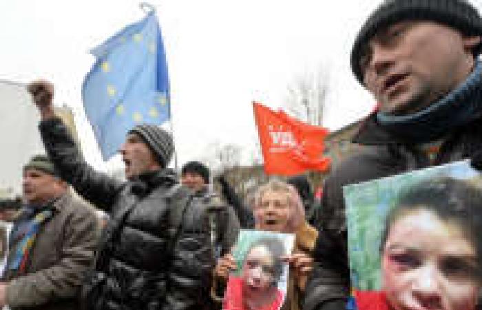 صحفية أوكرانية معارضة للحكومة تتعرض للضرب بوحشية