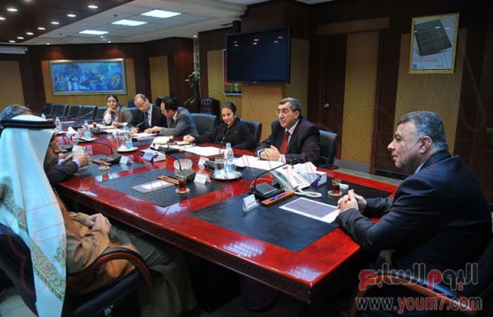 شركة إماراتية تعتزم إقامة 3 محطات لتموين السيارات ببرج العرب