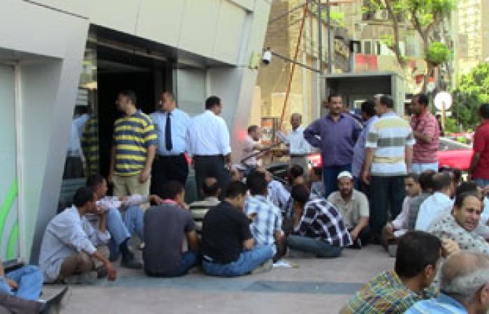 سانتامورا للبطاطين: لا تفاوض مع العمال إلا بعد فض الاحتجاج