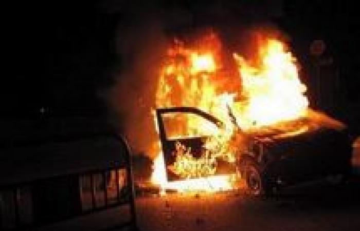 القبض على 22 من أنصار مرسي بالإسكندرية بتهمة حرق سيارة شرطة