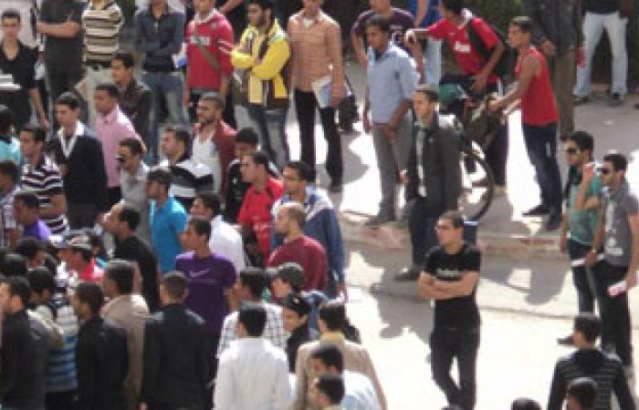 عناصر الإخوان يرددون هتافات مسيئة بجامعة الزقازيق لجر الطلاب للاشتباك