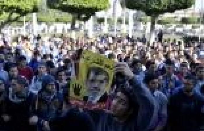 """حَمَل """"الجزيرة مباشر"""" يبكي """"أطلال الإخوان"""": الإعلام المصري يحرض ضد الجماعة"""