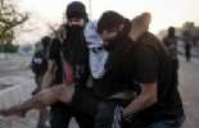 إصابة شرطيين بانفجار قنبلة في المنامة