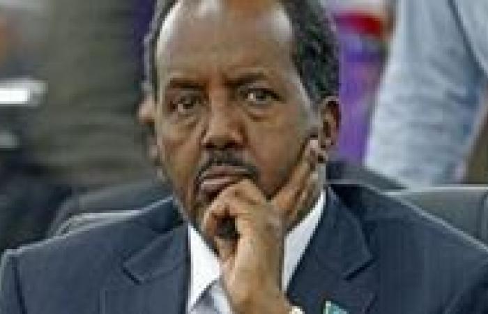 مقتل 8 على الأقل في انفجار قنبلة بمطعم في الصومال