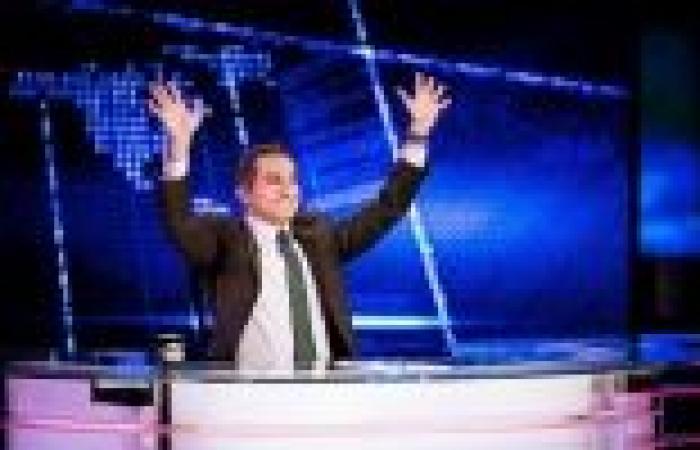 """""""باسم يوسف"""" يتصدر استفتاء أفضل شخصية إعلامية.. و""""البرنامج"""" في المقدمة إلى الآن"""