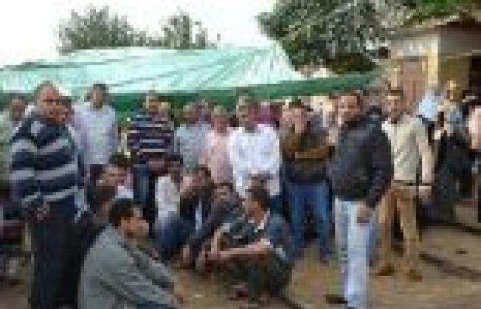 عمال «وبريات سمنود» يهددون بقطع السكك الحديدية.. و«سانتا مورا» تواصل الإضراب