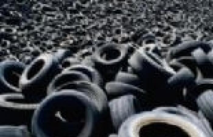 وزير التجارة : بورسعيد اغراقت الاسواق بالاطارات المهربة
