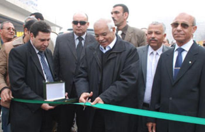 محافظ القاهرة يفتتح نزلة كوبرى عزبة النخل بتكلفة 18 مليون جنيه