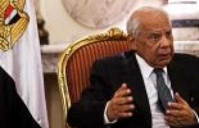 """""""الببلاوي"""": من حق المصريين أن يعيشوا حياة أفضل.. والوضع الأمني مرضي"""
