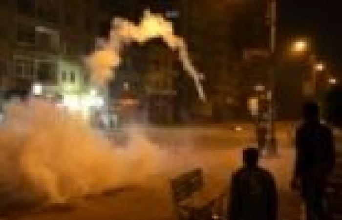الأمن يطلق قنابل الغاز على متظاهري الإخوان أمام نادي الصيد