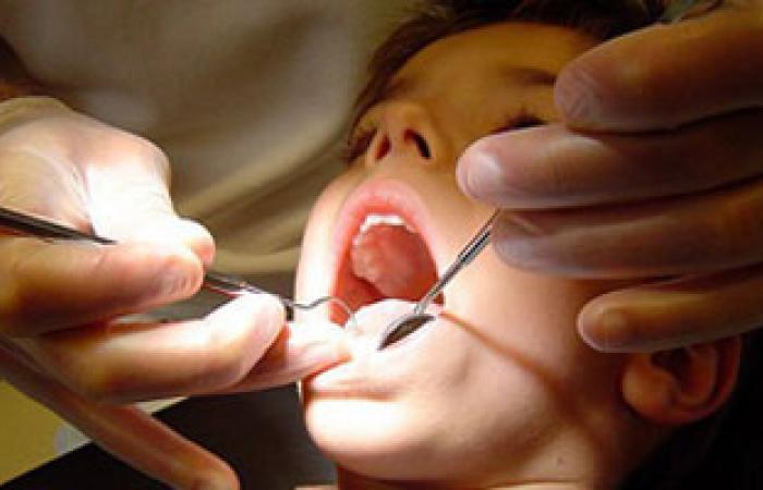 ضعف الكالسيوم من أسباب الظهور المبكر للأسنان عند الأطفال