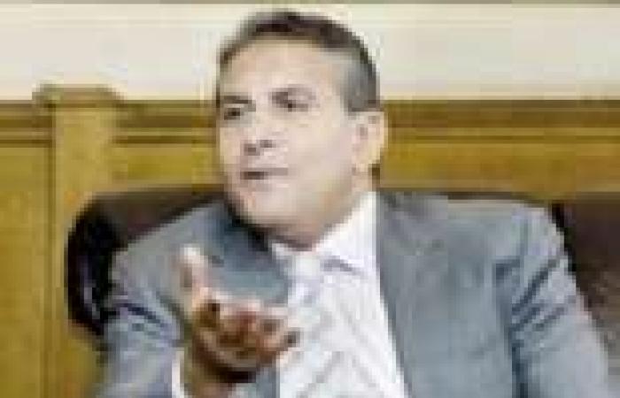 """أبو زيد يعتذر عن عدم الظهور مع يوسف الحسيني في """"السادة المحترمون"""""""