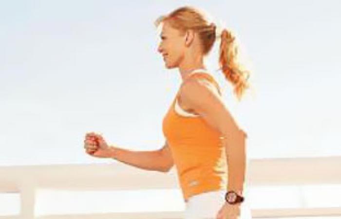 دراسة: الجلوس أقل مع مزيد من الحركة يجنبك الإصابة بالأمراض المزمنة