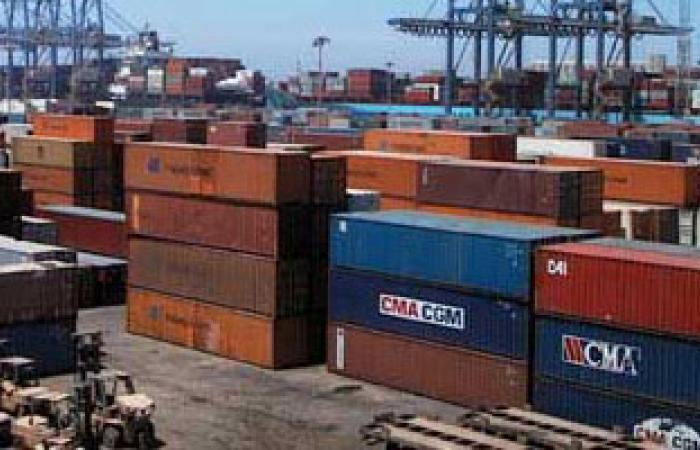 ميناء دمياط يستقبل سفينتى حاويات و6 سفن بضائع