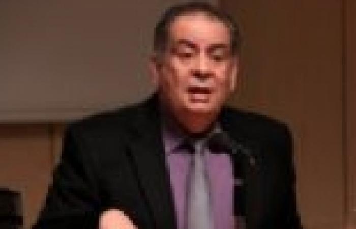 """يوسف زيدان: بقاء """"السيسي"""" في منصبه أفضل لمصر"""