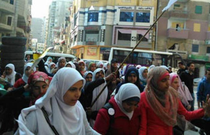 مظاهرة لطلاب الإخوان بالمجمع النظرى بجامعة الإسكندرية