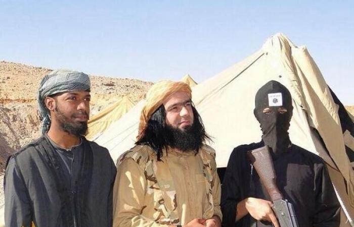 بالفيديو والصور.. أمير «داعش» الوسيم الذي أخرج فتيات التنظيم عن حيائهن