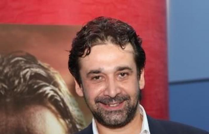 """لماذا طلب كريم عبد العزيز تأجيل المؤتمر الصحفي لفيلم """"الفيل الأزرق"""" في دبي؟"""
