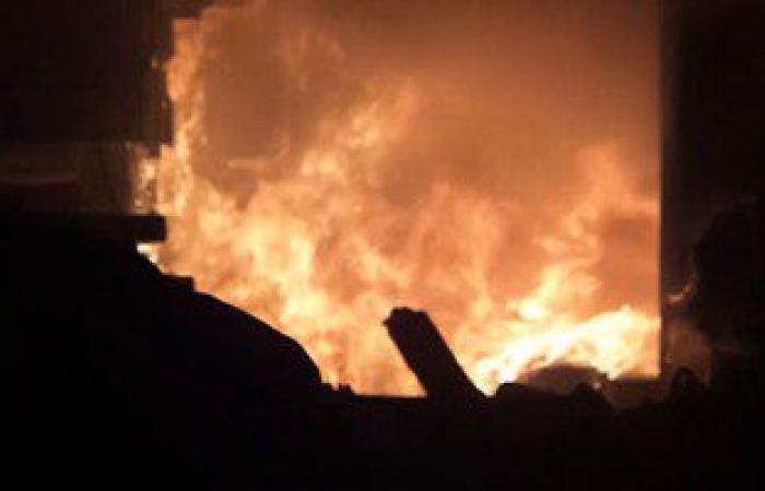 """""""الحماية المدنية"""" تواصل جهودها للسيطرة على النيران فى مصنع الطوب بزفتى"""