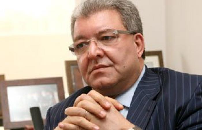 """وزير الداخلية اللبنانى يدعو ميشال عون لأن يكون مرشحا """"وفاقيا"""" للرئاسة"""