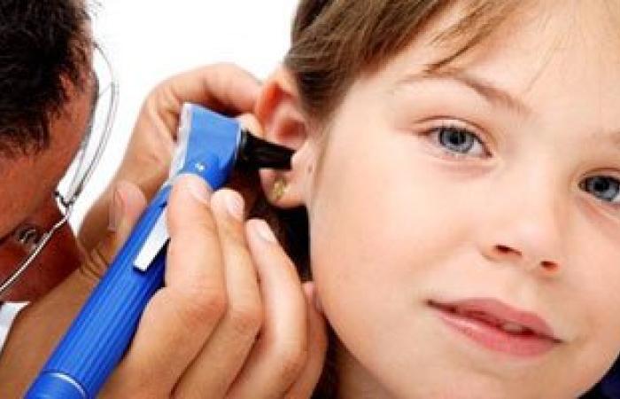 التهابات الأذن الوسطى.. السبب الرئيسى لإصابة الأطفال بضعف السمع