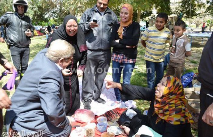 بالصور.. محافظ الإسماعيلية يطمئن على زوار المحافظة ويتفقد الحدائق