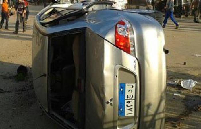 إصابة 3 أشخاص فى انقلاب سيارة على طريق وادى الريان بالفيوم