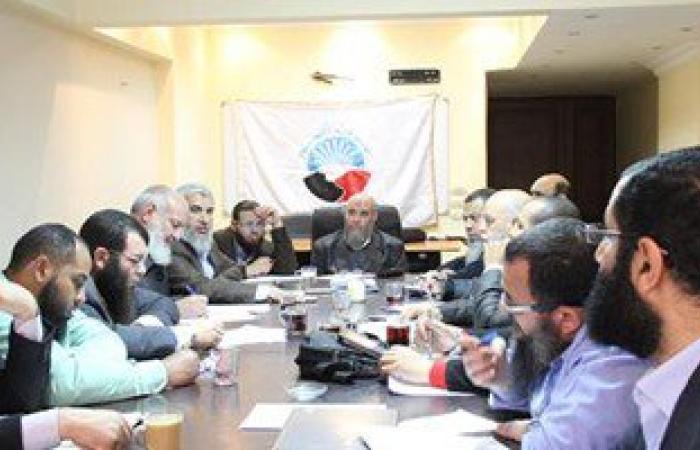 حزب النور:غير مسئولين عن فتاوى السلفيين بتحريم شم النسيم وتهنئة الأقباط