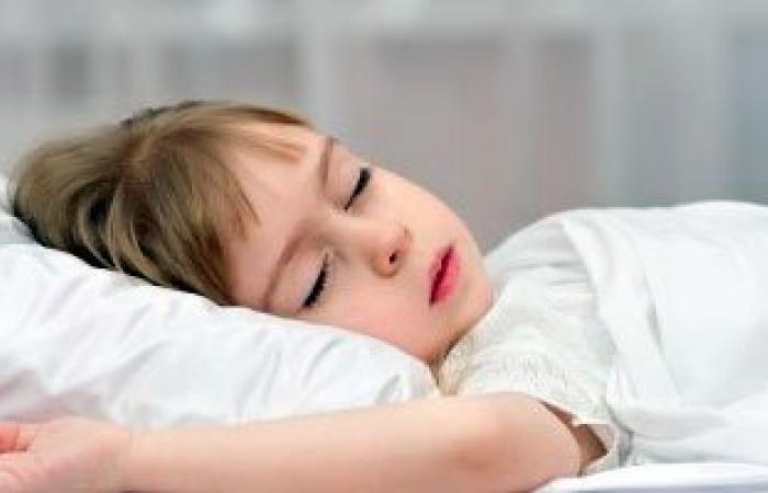 صعوبة التنفس والشخير من علامات إصابة طفلك باللحمية