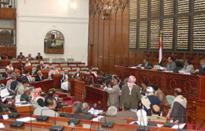 رئيس لجنة الدفاع بالشورى اليمنى: يصعب تدخل قوات برية فى البلاد حاليًا
