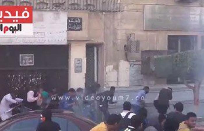 """بالفيديو..اشتباكات بالحجارة و""""المطاوى"""" و""""الشوم"""" بين طلاب الإخوان وأمن جامعة القاهرة"""