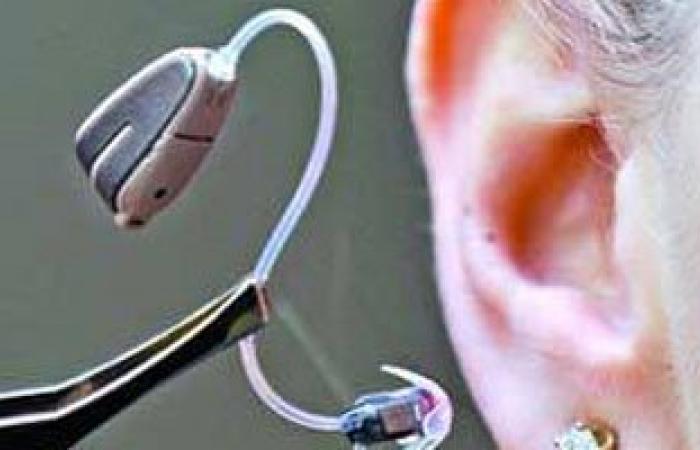 اللجوء إلى سماعات الأذن قد يبطئ التراجع الإدراكى