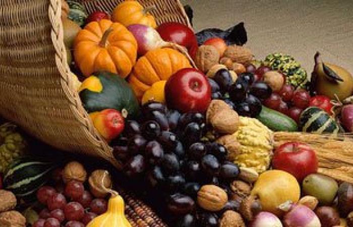4 أسباب تجعلك تبدأ يومك بالفاكهة أهمها التخلص من بكتيريا الجسم