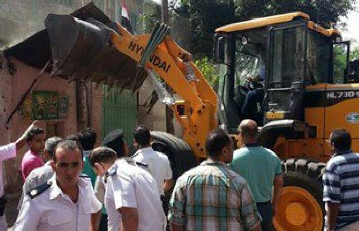 مديرية أمن القاهرة تشن حملة لإزالة المخالفات بمنطقة كوبرى قصر النيل