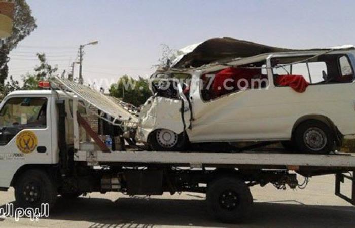 ننشر صوراً جديدة لحطام سيارة ضحايا حادث الوادى الجديد