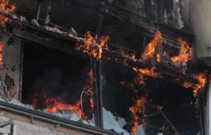 حريق بمكتب رئيس مركز ومدينة المحلة بسبب ماس كهربى