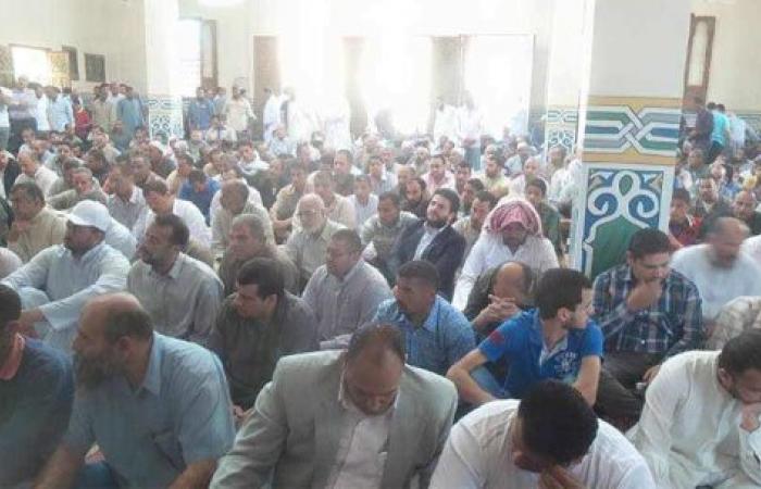 نجل مرسى يشارك فى تشييع جثمان القيادى الإخوانى فريد إسماعيل بالشرقية