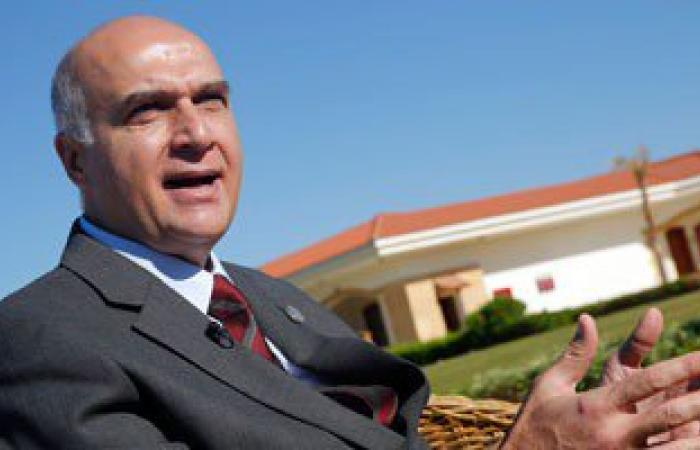 وزير السياحة يشكل لجنة عليا لمكافحة الفساد