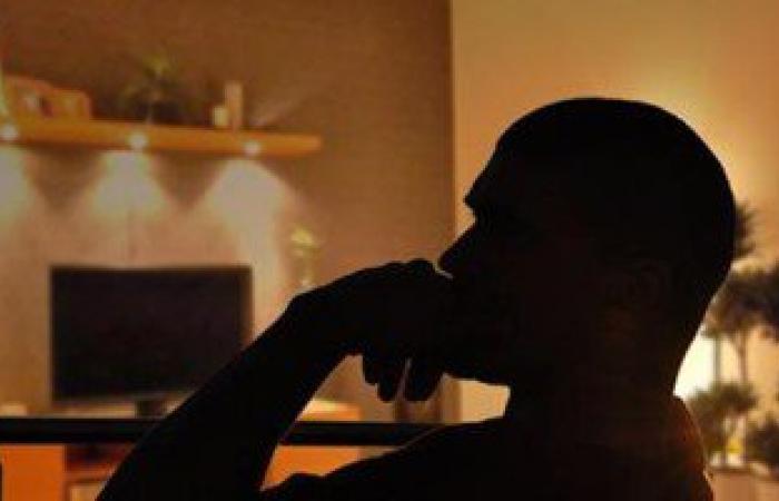 أضواء الغرفة أثناء النوم تبطئ حرق الدهون