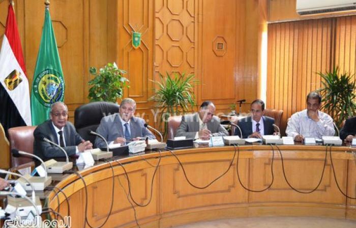 محافظ الإسماعيلية يستعرض المخطط الاستراتيجى للمدينة والتقسيم المقترح