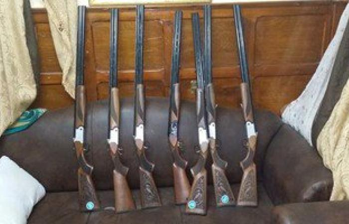 الأمن يضبط 10 قطع سلاح نارى بدون ترخيص و4 متهمين فى قضايا جنائية بالمنيا