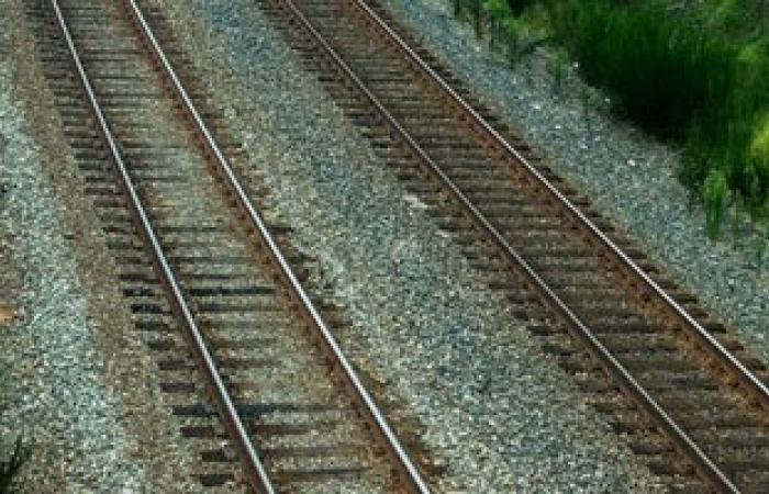 حبس لصوص قضبان السكة الحديد بالوادى الجديد 4 أيام على ذمة التحقيق