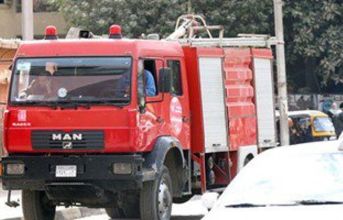 الدفع بـ10 سيارات إطفاء للسيطرة على حريق مصنع مخلل بالعاشر من رمضان
