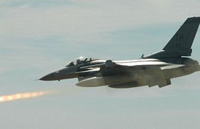 """الطيران العراقى يدمر رتلين لمسلحى تنظيم """" داعش """" بالأنبار"""