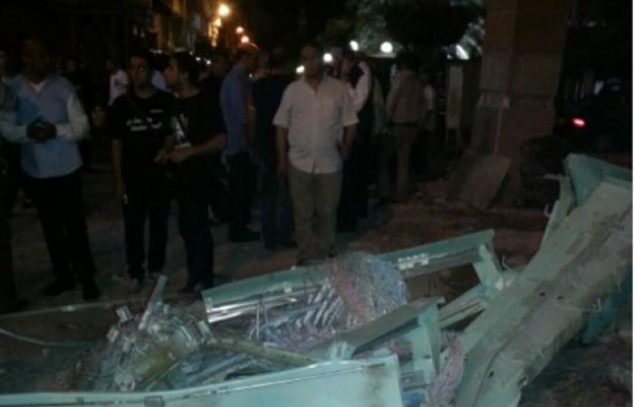 بالصور.. انفجار بكابينة تليفونات بمحيط سنترال بورسعيد.. وانتقال خبراء المفرقعات